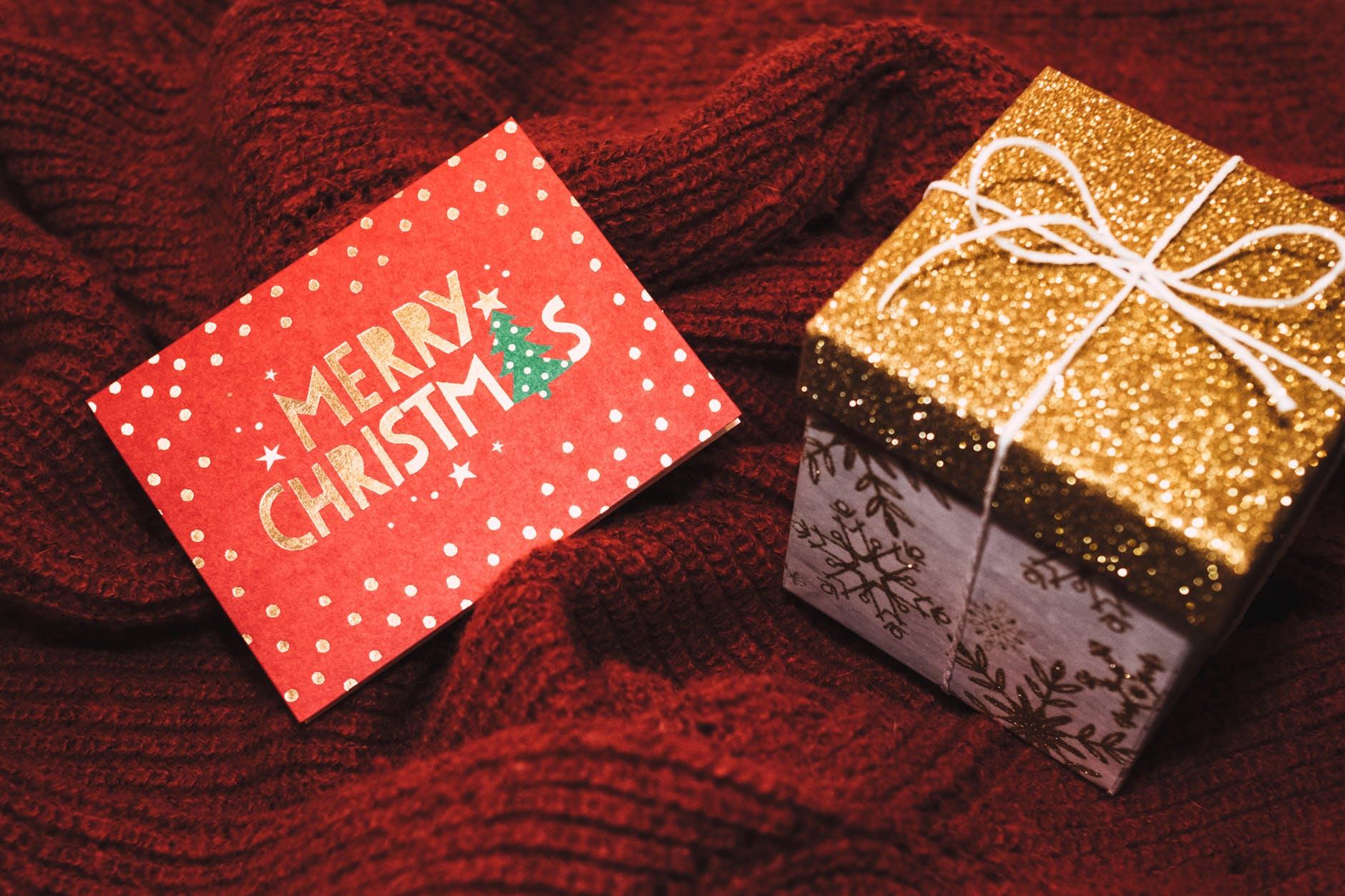 farmaciabeatrizcastellanos-regalos-navidad-farmacia