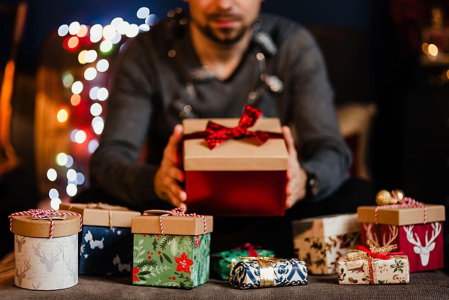 farmaciabeatrizcastellanos-regalos-navidad-ellos